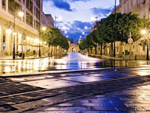 Tunis by night.jpg